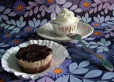 Gesztenyés karamelles cupcake Cupcake, Salt, Sweets, Desserts, Recipes, Food, Caramel, Sweet Pastries, Meal