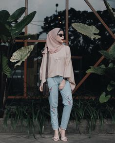 New style street casual summer clothes 44 Ideas Street Hijab Fashion, Muslim Fashion, Modest Fashion, Fashion Outfits, Fasion, Casual Hijab Outfit, Hijab Chic, Casual Summer Outfits, Summer Clothes