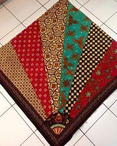Jual kain batik grosir dan eceran More info: Harga: $  puluhan. $$ ratusan. $$$ jutaan. Sms/wa: 085707080753  Real pict.. #batik #batikindonesia #kainbatik #batikmurah #batikcouple #sumatra #riau #kalimantan