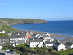 Aberdaron, Galles, UK Amazing Places On Earth, Beautiful Places In The World, Wales Uk, North Wales, Visit Cardiff, Bristol Channel, Irish Sea, Pretty Beach, Anglesey