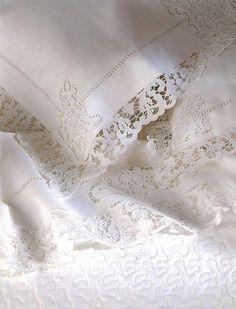 Ana Rosa - cotton pillowslips edged with beautiful cutwork lace Shabby Style, Shabby Chic, Antique Lace, Vintage Lace, White Cottage, Crazy Quilting, Linens And Lace, Fine Linens, Luxurious Bedrooms