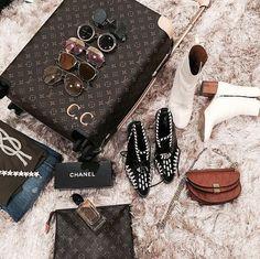 1223 Best f a s h i o n images in 2019   Feminine fashion, Woman ... 56dfeec9a1