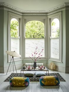 How to dress a bay window, use window film to highlight period details. Bring your windows to life with The Window Film Company [AD] Rugs In Living Room, Living Room Designs, Room Rugs, Etta Jones, Window Films, Curtains With Blinds, Life Design, Bay Window, Interior Design