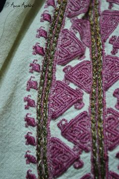 Romanian blouse detail. Adina Nanu collection. @ Comori etnografice Facebook page Folk Costume, Costumes, Folk Embroidery, Traditional Outfits, Romania, Folk Art, Bohemian Rug, Diy And Crafts, Textiles