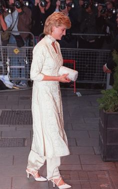 Princess Diana arrives at London's Dorchester Hotel, Thursday, July 4, 1996, to attend a charity event in support of The Shaukat Khanum Memorial Hospital in Pakistan.