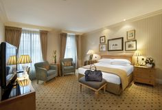 Bedding. Luxury Bed and Breakfast London: Superior Room Luxury Bed ...