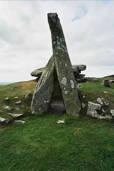 Cairn holy North Cairn - Scotland (by Jon Hicks) Ancient Mysteries, Ancient Ruins, Ancient Art, Ancient History, Cairns, We Will Rock You, Mysterious Places, Ancient Architecture, Fantasy Landscape
