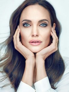 The Real Regina George: Photo Angelina Jolie Pictures, Angelina Jolie Style, Jolie Pitt, Le Jolie, Beautiful Celebrities, Beautiful Actresses, Very Beautiful Woman, Beautiful Eyes, Famous Photographers