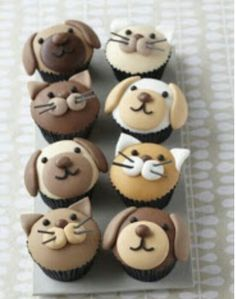 Cute puppy dog and kitty cupcakes - Cake Decorating Cupcake Ideen Cupcakes Design, Cupcakes Chat, Cookies Cupcake, Cupcake Day, Animal Cupcakes, Puppy Cupcakes, Cupcake Toppers, Blue Cupcakes, Fondant Cupcakes