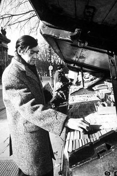 Julio Cortazar doing a little book shopping