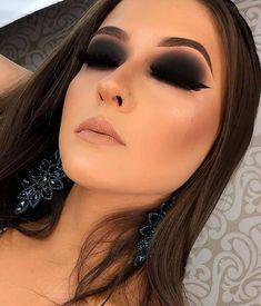 Curso de maquiage profissional! Aprenda a se maquiar sozinha em casa! Acesse o site!   #dailus #maquiagem #makeup #tutorial #maquiagemprofissional #esfumado #sombrapreta