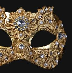 From Venice Italy Direct Manufacturer Venetian Masks Shipping worldwide for your Masquerade Ball Party Masquerade Ball Party, Silver Mask, Venetian Masquerade Masks, Venetian Costumes, Burlesque Outfit, Pin Up Outfits, Victorian Steampunk, Color Plata, Confident Woman