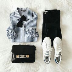 Casual look for spring : striped shirt denim Stan Smith small bag and sunglasses. - outfits , Casual look for spring : striped shirt denim Stan Smith small bag and sunglasses ♥ Source by inesloez. Fashion Mode, Fashion Outfits, Flat Lay Fashion, Fashion Sets, Fashion Fashion, Womens Fashion, Trendy Fashion, Fashion Flatlay, Fashion Stores