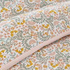 Majari Child's Duvet Cover with Floral Print LA REDOUTE INTERIEURS This child-size Majari duvet cover is made from pure washed cotton for maximum cosiness and carries our Best Quality label. Its adorable floral print.