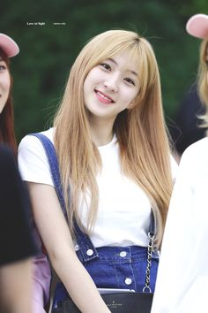 please do not edit. © love at sight Yuehua Entertainment, Starship Entertainment, Cheng Xiao, Cosmic Girls, Extended Play, Aesthetic Photo, Favorite Person, Korean Singer, Korean Girl Groups