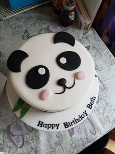 Bolo Panda +de 50 Ideias Super Fofas e Divertidas #BoloPanda #Bolo #Panda #PandaCake Panda Birthday Cake, 2nd Birthday, Birthday Parties, Mini Tortillas, Bolo Panda, Panda Cakes, Cake Decorating, Baby Shower, Desserts