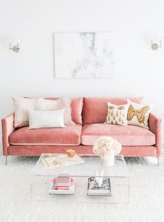 Do not waste your time by remodeling the old look in your living room. Apply the pastel living room interior design ideas here. Blush Living Room, Pastel Living Room, Living Room Sofa, Interior Design Living Room, Living Room Designs, Living Room Decor, Pink Living Rooms, Design Room, Pink Velvet Couch