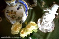 Rose and eartheware biscuit