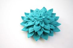 felt dahlia flower- want to make a bunch of these in gray and yellow for the tables at my wedding!