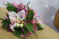Upclose #Bouquet #Flowers #FreshFlowers #TamannaTakes   Female #Wedding & Events Photographer   Copyright © 2014 Tamanna Takes. All rights reserved.