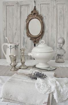 white table deco - brocante-charmante