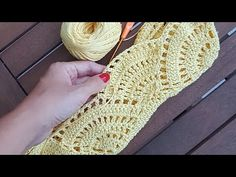 Marvelous Crochet A Shell Stitch Purse Bag Ideas. Wonderful Crochet A Shell Stitch Purse Bag Ideas. Crochet Shell Stitch, Crochet Tote, Crochet Handbags, Love Crochet, Diy Crochet, Crochet Stitches, Knitting Patterns, Crochet Patterns, Crochet Videos