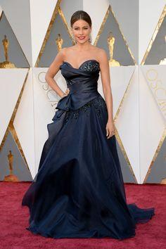Sofia Vergara at the 88th Academy Awards. Oscars Red Carpet Dresses 2016 | POPSUGAR Fashion