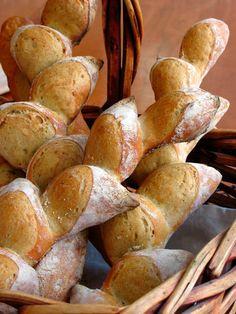 How to Form the Pain d'Epi (wheat stalk bread) & baguette Pan Bread, Bread Baking, Yeast Bread, Baker Bread, Baguette, Our Daily Bread, Bread And Pastries, Fresh Bread, Mets