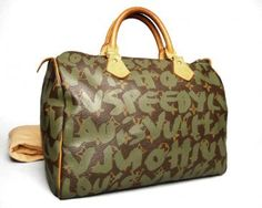 The khaki green speedy is my fave of the Louis Vuitton Graffiti Speedy bags. http://www.malleries.com/louis-vuitton-graffiti-speedy-30-bag-khaki-green-i-59160-s-2640.html