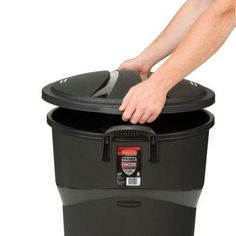 Outdoor Trash Can With Wheels Fair $20 Lowes Incredible Plastics 32Gallon Outdoor Garbage Can  House Design Decoration