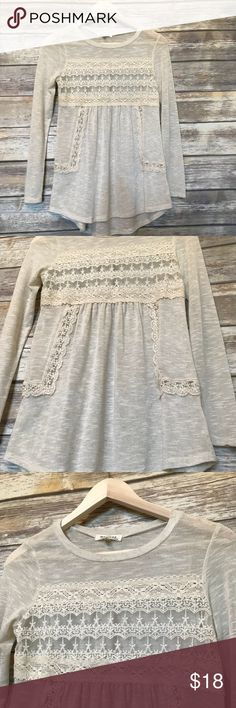 Monteau sheer blouse This adorable blouse would be perfect for date night Perfect condition Monteau Tops Blouses
