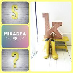 Szám&Karakter Minimál betűtípussal, színes | Miradea