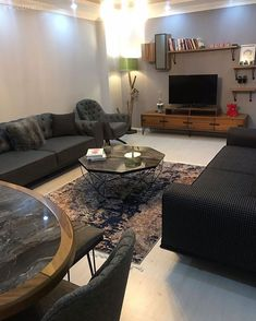 Ev Gezmesi: Modern Tarza Klasik Dokunuşlar Katan Bir Salon D Modern Style Homes, Decoration Bedroom, House Tours, Home Accessories, Living Room Decor, Salons, Home Design, Furniture, Home Decor
