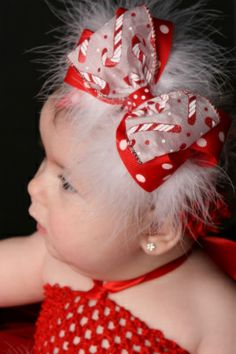 Easy to make 4 things you can get at Hobby Lobby, elastic materal for head band, feathers, two different types of bow decorations and piece together. Baby Hair Bows, Baby Headbands, Ribbon Hair Clips, Ribbon Bows, Fabric Flower Headbands, Christmas Hair Bows, Handmade Hair Bows, Boutique Hair Bows, Diy Headband