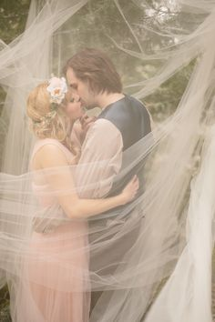 Fairytale-Wedding-Photos-Enchanted-Engagement-Shoot-Kristen-Booth-16.jpg (630×945)
