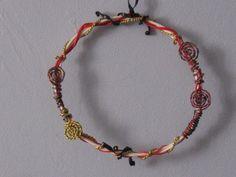 Décoration murale-couronne couleur rouge et blanc à suspendre : Accessoires de…