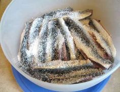 You can easily make your own boquerones (marinated white anchovies) at home. Here's how to cure your own anchovies like a pro. Fish Recipes, Seafood Recipes, Cooking Recipes, Pescado Recipe, Fish And Seafood, Tapas, Green Beans, Bon Appetit, Food And Drink