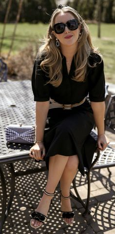 Today's inspiration comes in the form of a head-to-toe Ann Taylor outfit to shop for now, and wear in. Spring And Summer Frocks, Spring Summer Fashion, Classic Outfits, Cute Outfits, Work Outfits, Nyc Fashion, Fashion Models, Midi Sundress, Sundresses