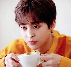Winner Ikon, Photo Editing Vsco, Baekhyun Chanyeol, Kim Min Seok, Kpop Exo, Exo Members, Time Photo, Photo Story, Light Of My Life
