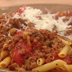 Rachel Ray's Hot Sausage Ragu with homemade sausage and chestnuts Hot Sausage, Spicy Sausage, Sausage Recipes, Pork Recipes, Pasta Recipes, Cooking Recipes, Sausage Pasta, Yummy Recipes, Recipes