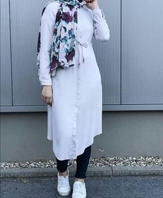 Hijab Fashion 2016, Modest Fashion Hijab, Modern Hijab Fashion, Hijab Chic, Muslim Fashion, Fashion Pants, Fashion Outfits, Indian Fashion, Fashion Ideas