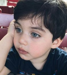 Cute Baby Boy, Cute Little Baby, Little Babies, Baby Love, Cute Boys, Cute Babies, Beautiful Children, Beautiful Babies, Baby Tumblr