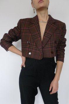 Escada Cropped Blazer - - Source by DreamyNeko Blazer Outfits Casual, Blazer Fashion, Classy Outfits, Chic Outfits, Fashion Outfits, Fashion Wear, Dress Outfits, Dresses, Look Blazer