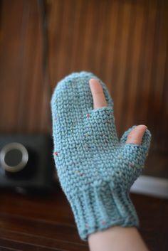 Manoplas con dedo pulgar y dedo índice, libres.