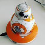 ES: Me regalaron este pequeño y maravilloso robot bb8 por mi cumple *--* --- EN: I got this lovely dude for my birthday. Isn't he wonderful?  #bb8 #starwars #lovely #cutie #cute #kawaii #mono #monoso #robot #androide