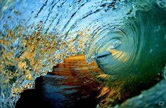 The Hawaiian Wave // Waves off the north shore of Oahu, Hawaii // Clark Little