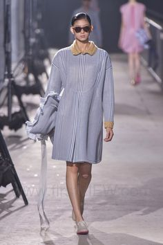 Mint Design - Ready-to-Wear - Runway Collection - Women Spring / Summer 2015 - See more at: http://firstview.com/collection.php?p=0&id=40457&of=24#sthash.bohgjC5y.dpuf