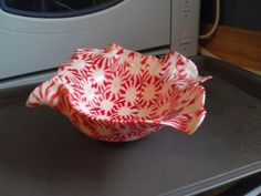 peppermint bowl... I saw a tray made from peppermints so I wondered if I could make a bowl...