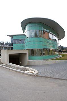Moderne Architektur in Grazer Stadtteil Mariatrost, Germany;  photo by sualk61, via Flickr.