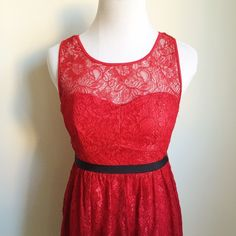 Red Lace Dress Measurements available upon request.     👍🏻👍🏻 Bundle and SAVE! 👍🏻👍🏻 🛍 10% off 2 or more items 🛍 🙅🏻🙅🏻 NO TRADES 🙅🏻🙅🏻 🚫🚫NO MODELING🚫🚫 Forever 21 Dresses